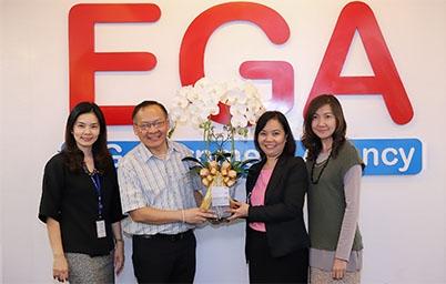 EGA ร่วมแสดงความยินดีกับ นางอารีย์พันธ์ เจริญสุข ที่ได้ดำรงตำแหน่ง รองเลขาธิการ ก.พ.ร.
