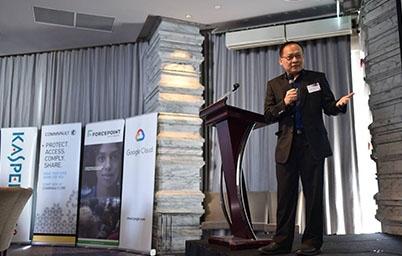 ดร.ศักดิ์ เสกขุนทด ผู้อำนวยการสำนักงานรัฐบาลอิเล็กทรอนิกส์  ร่วมเป็นวิทยากรบรรยายในงาน reThink CIO Forum Thailand