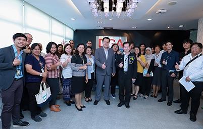 """DGA ให้การต้อนรับคณะผู้บริหารและผู้ปฏิบัติงาน การไฟฟ้าฝ่ายผลิตแห่งประเทศไทย (กฟผ.) ในการเยี่ยมชมและเข้าศึกษาดูงาน """"DGA กับการขับเคลื่อนการพัฒนารัฐบาลดิจิทัล"""""""