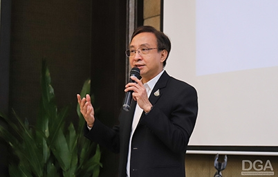 ดร. สุพจน์ เธียรวุฒิ ผู้อำนวยการสำนักงานพัฒนารัฐบาลดิจิทัลรับเชิญบรรยายจากกระทรวงมหาดไทย ในการจัดฝึกอบรมตามโครงการเพิ่มประสิทธิภาพการตรวจราชการ กระทรวงมหาดไทย