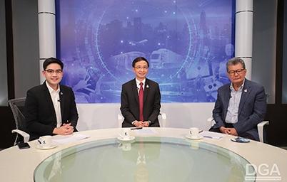 """ดร. สุพจน์ เธียรวุฒิ ผู้อำนวยการสำนักงานพัฒนารัฐบาลดิจิทัล ให้สัมภาษณ์ใน """"รายการเปลี่ยนโฉมประเทศไทย"""" เรื่อง """"หมอชนะ"""" แอปฯ ระวังภัยโควิด -19"""